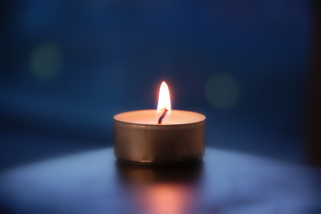 secret-light-of-dark-times-candle-in-blue-pic-letavua-001